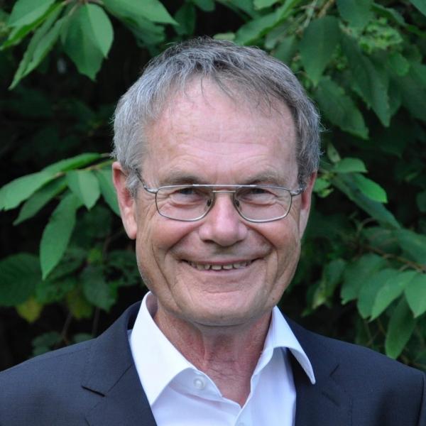 DR. ROLF HOFFMANN